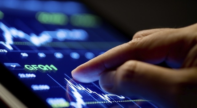 Menjajal Kolaborasi Teknologi Dengan Produk Keuangan