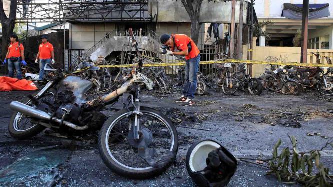 Asuransi Tanggung Mobil Rusak Kena Bom, Ada Tapinya