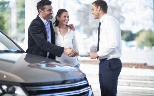 Beda Pria dan Wanita dalam Memilih Mobil
