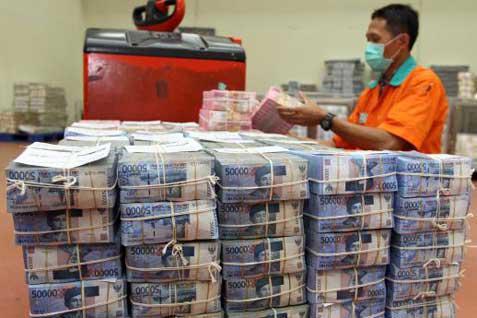 Bank Berhati-hati Garap Kredit Komersial