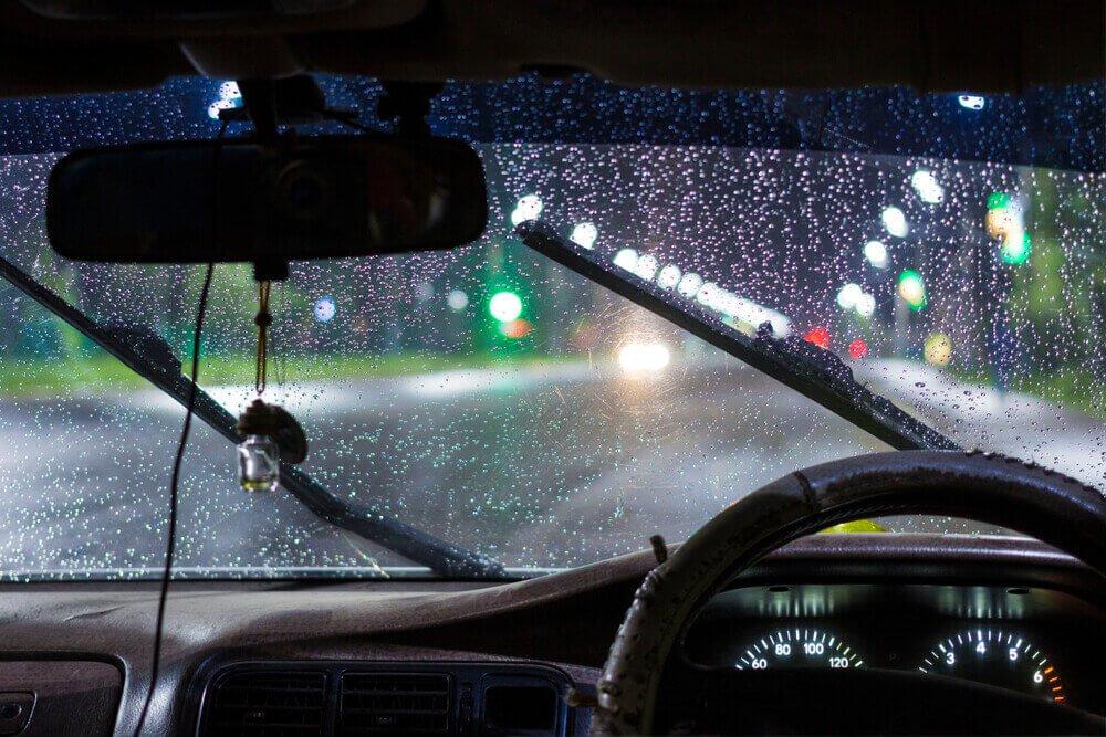 Musim hujan, pemilik kendaraan diharapkan ekstra perhatian